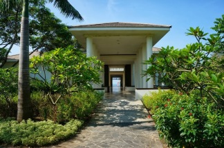 Most expensive 5 star luxury resort in Phan Thiet goes for about $150/night -- not bad